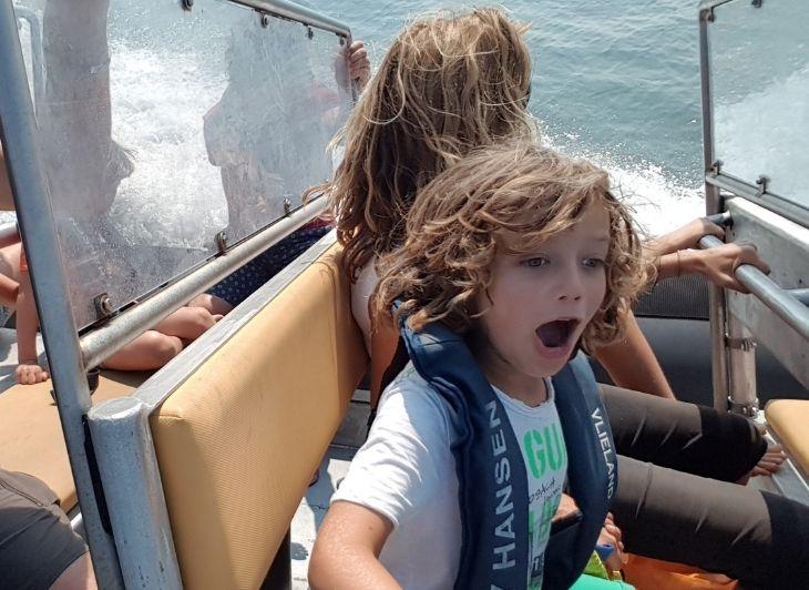 Familie vakantie Waddeneilanden - open mond bij zien zeehond - Waddenhop