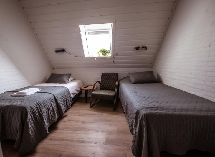 Singlereis Vlieland - groepsaccommodatie Torenzicht slaapkamer - Waddenhop