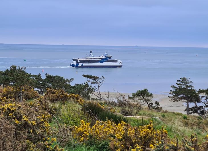 Familievakantie Vlieland Schiermonnikoog - veerboot Doeksen - Waddenhop.jpg